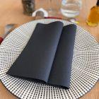 25 Serviettes non-tissé luxe noires 40 x 40cm