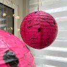 2 lanternes fuchsia 20 cm Joyeux anniversaire.