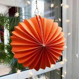 Boule décorative accordéon orange 20 cm.