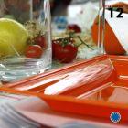 Assiette carrée style orange. Recyclable. Par 12
