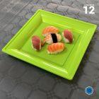 Assiette carrée style vert anis. Recyclable. Par 12