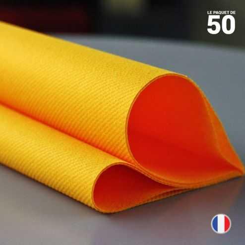 Serviette en non-tissé mandarine. 40 cm x 40 cm.