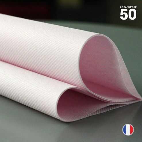 Serviette en non-tissé rose poudre. 40 x 40 cm.