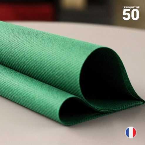 Serviette en non-tissé vert sapin. 40 x 40 cm.