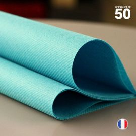 Serviette en non-tissé turquoise. 40 x 40 cm.