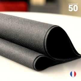 Serviette en non-tissé noir. 40 cm x 40 cm.