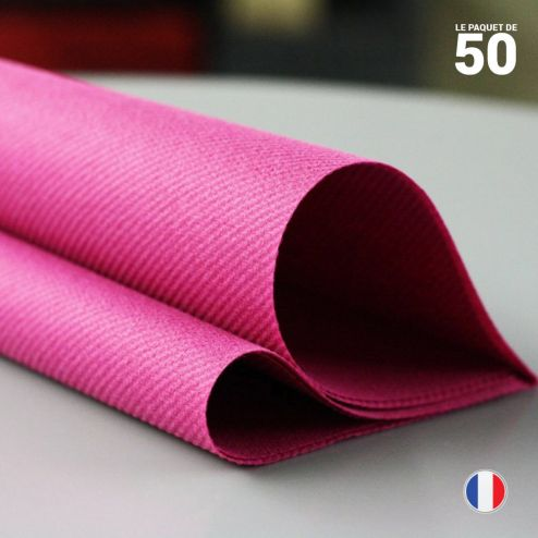 Serviette en non-tissé framboise. 40 cm x 40 cm.