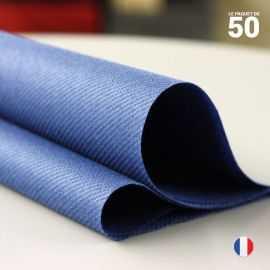 Serviette en non-tissé bleu marine. 40 cm x 40 cm.