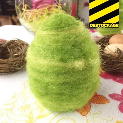 Oeufs décoration vert en laine. 10 cm.