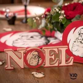 Noël d'antan en lettres bois. 23 cm.