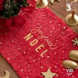Chemin de table Joyeux Noël en fourrure rouge. 3 mètres