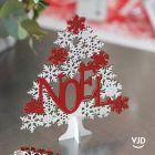 Décoration Sapin Noël enneigé sur socle 16 cm. En bois