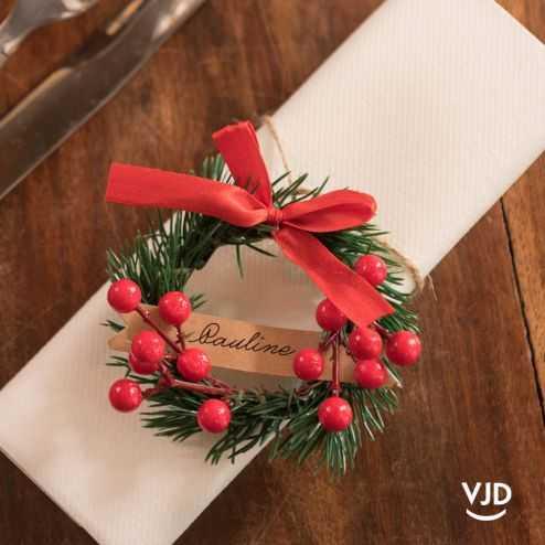 Marque-place Noël traditionnel avec cordelette
