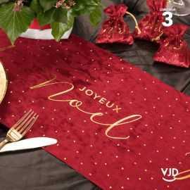Chemin de table Joyeux Noël en velours rouge. 3 mètres