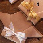 4 rubans cadeaux de fête. Or, étoilé présentoir sapin