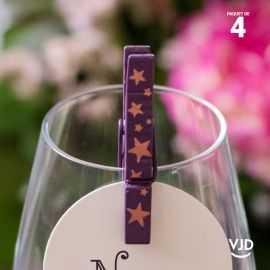 4 pinces en bois étoile métallisé prune, 5 cm