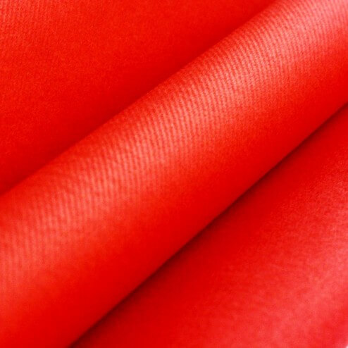 Chemins de table rouge