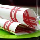 Serviette en non-tissé torchon carreaux rouge