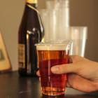 Gobelet plastique transparent à bière 25/33 cl