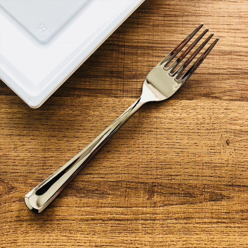 50 fourchettes en plastique transparent tr/ès r/ésistantes.