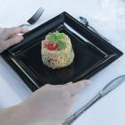 Assiettes en plastique carrées style noires