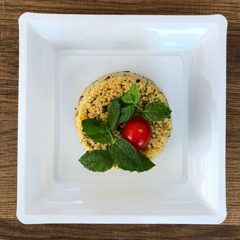 Assiettes en plastique carrées blanches