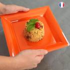 Assiettes en plastique carrées orange