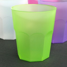 Verre cocktail en plastique vert anis