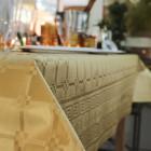 Nappe en papier damassé Or 20 mètres