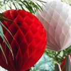 Boule décorative en papier blanche 30 cm