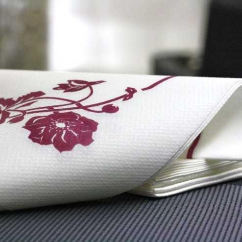 """Serviette en non-tissé """"Magnolia bordeaux"""" 40 x 40cm"""