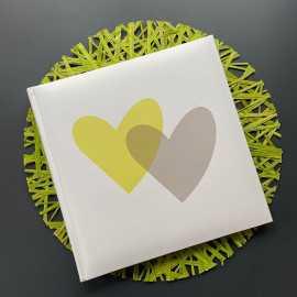 Livre d'or spécial fêtes Décor coeur vert